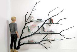 Evinizin Boş Duvarını Ağaç Dalı Şeklinde Kitaplık Yapabilirsiniz
